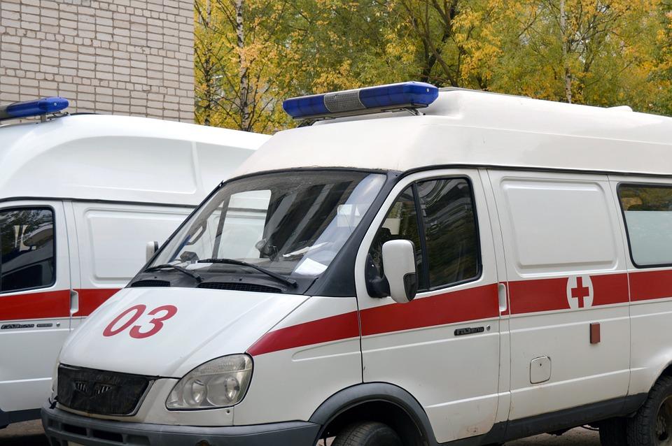 ambulance-1005433_960_720